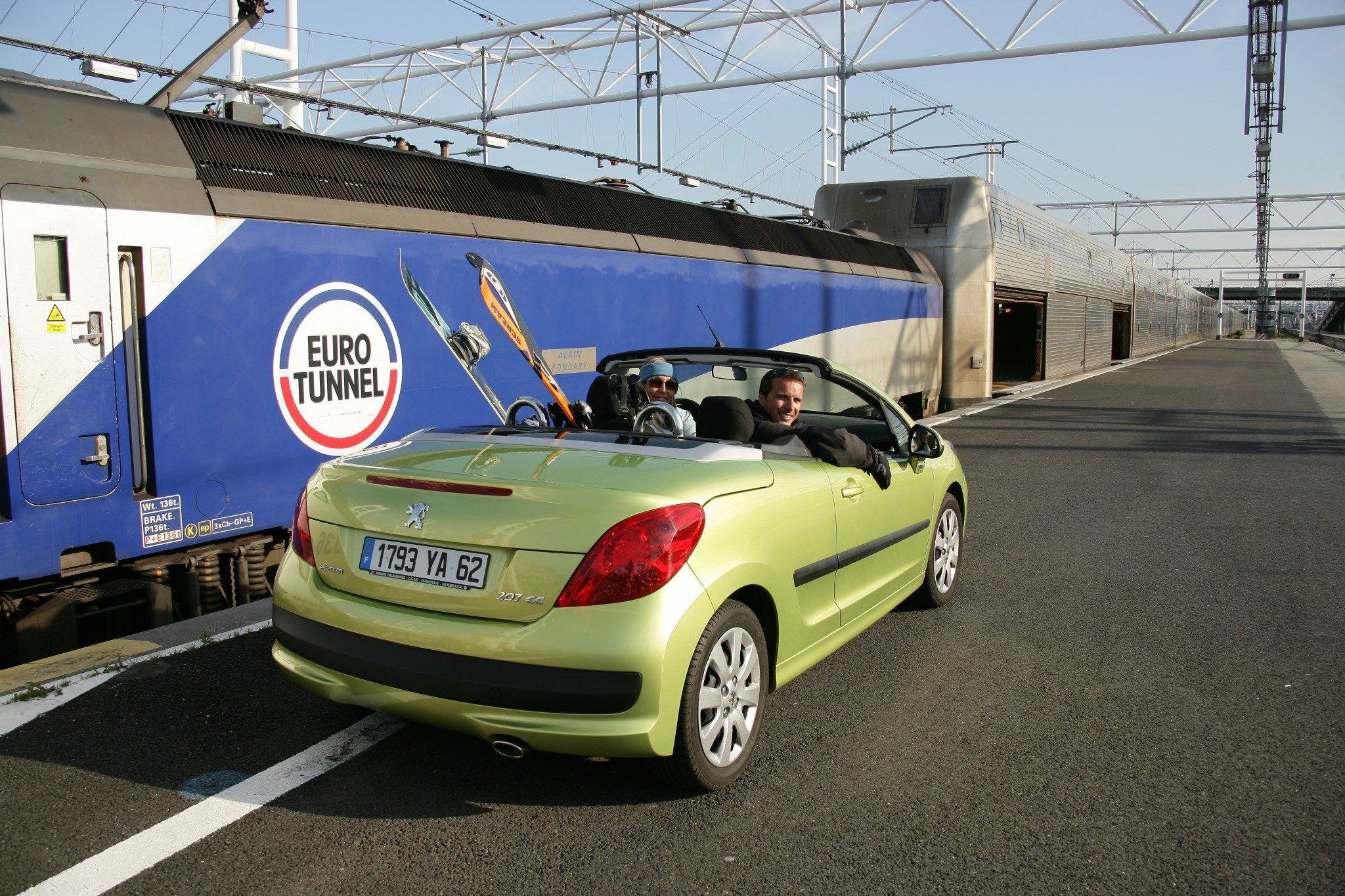 Eurotunnel ski-car