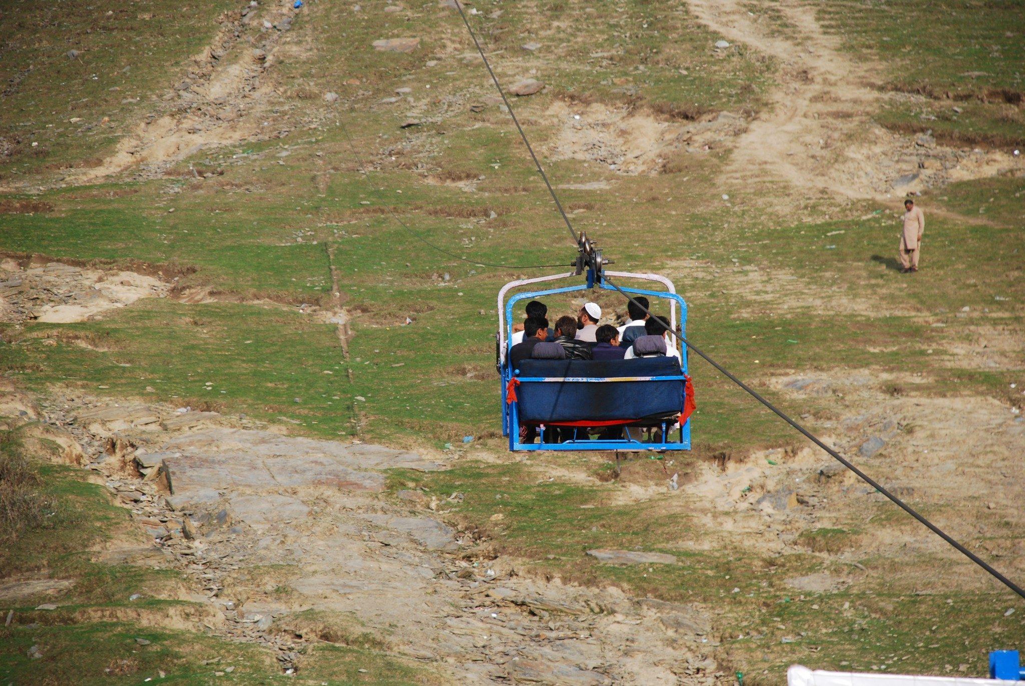 Skiing Pakistan (2)