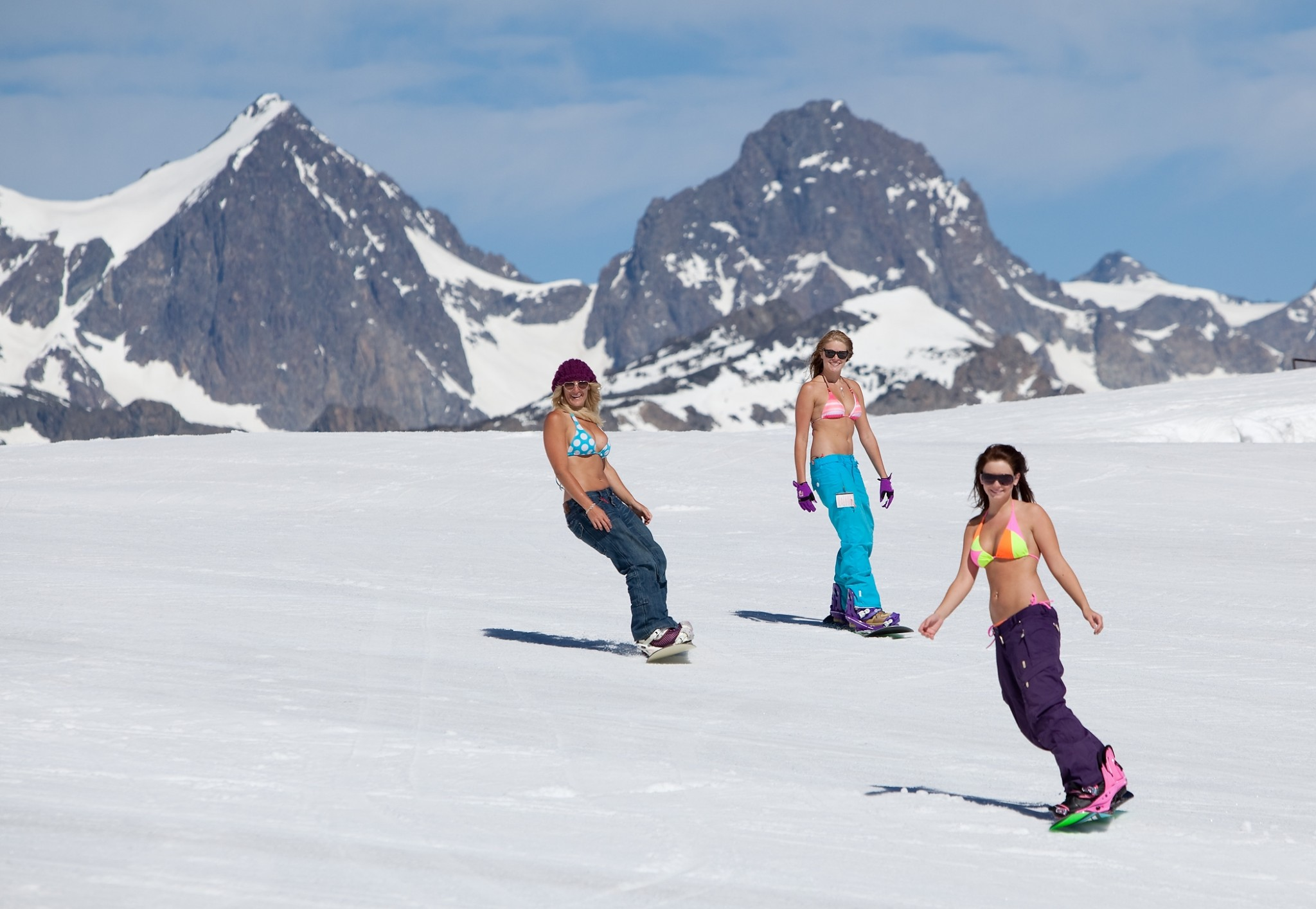 mammoth mountain offer skiing on 4th july inthesnow