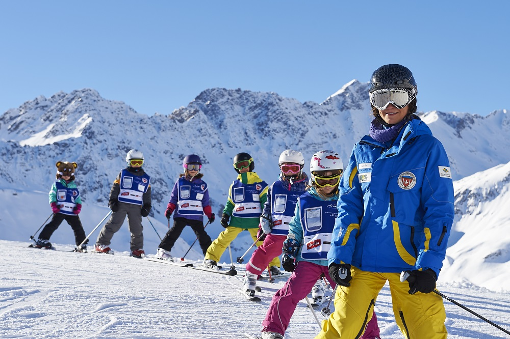 free-ski-school-at-snow-sure-swiss-resort-12